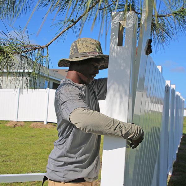 Residential Vinyl Fence Installation In Spring Hill, Fl