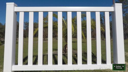 Brooksville FL vinyl fence install