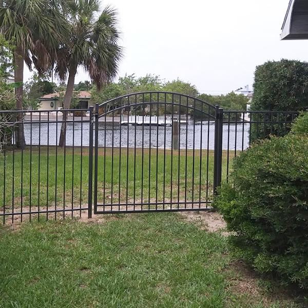 Aluminum Fence Gate Repair In Crystal River, Fl