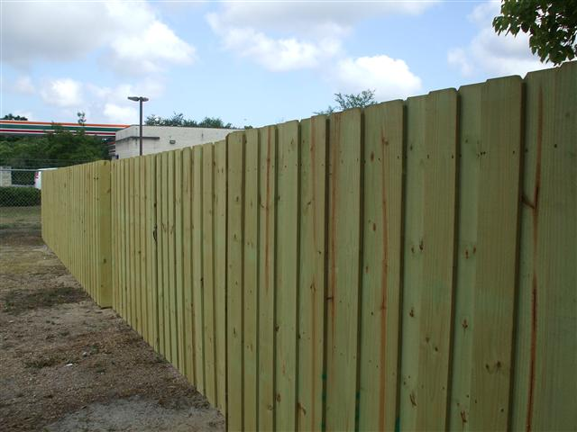 wood fence install in spring hill fl