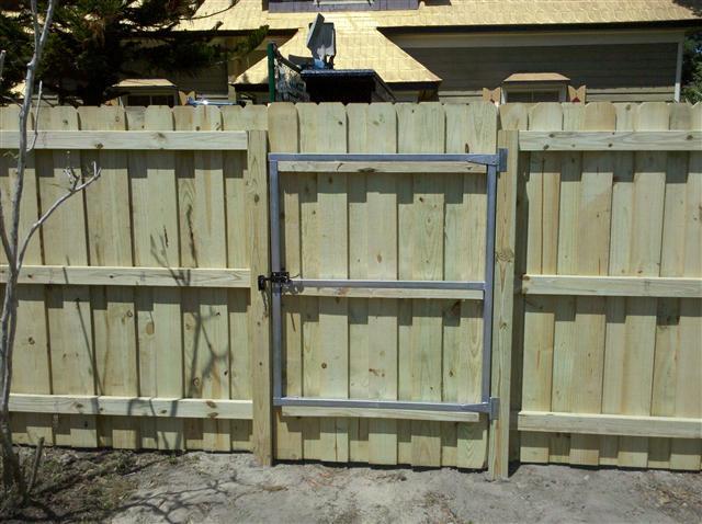 wood gate install in brooksville fl