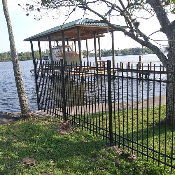 aluminum fence installation in Spring Hill FL