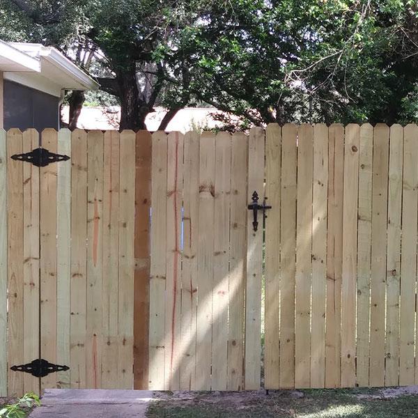 wood fencing, brooksville fl