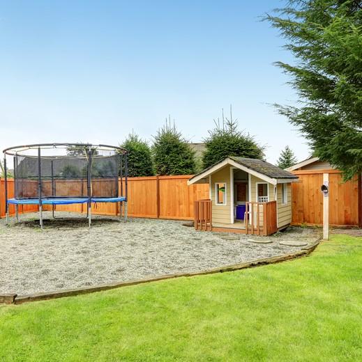 fenced in yard, spring hill fl